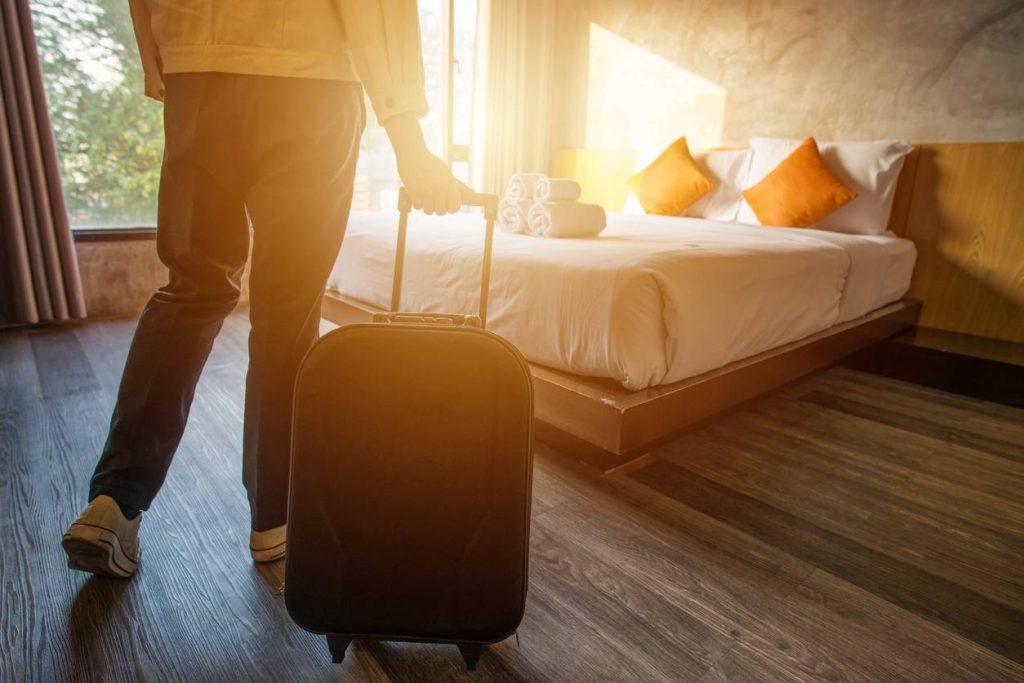 Prêter sa maison pour les vacances : quels risques ?